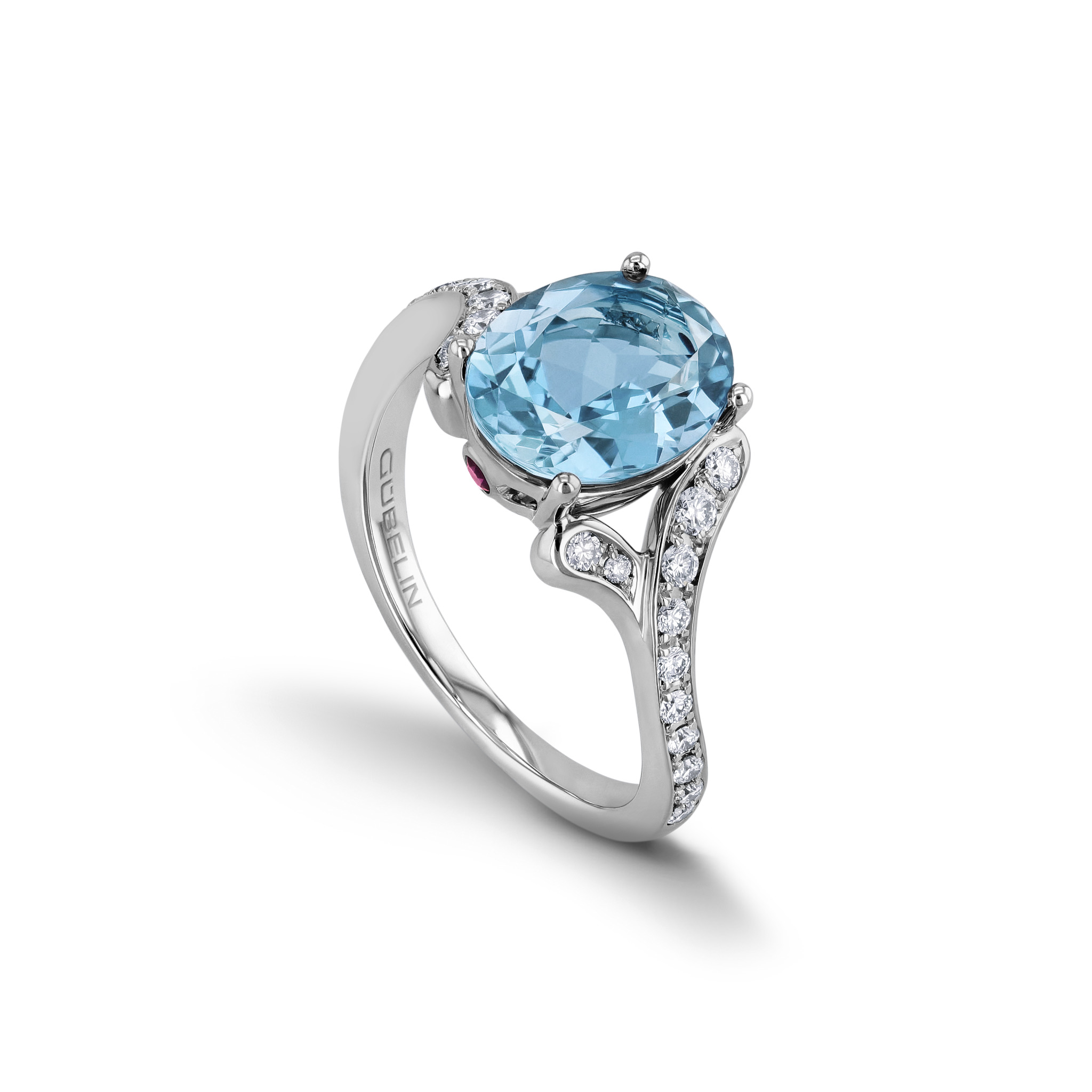 Ring with aquamarine
