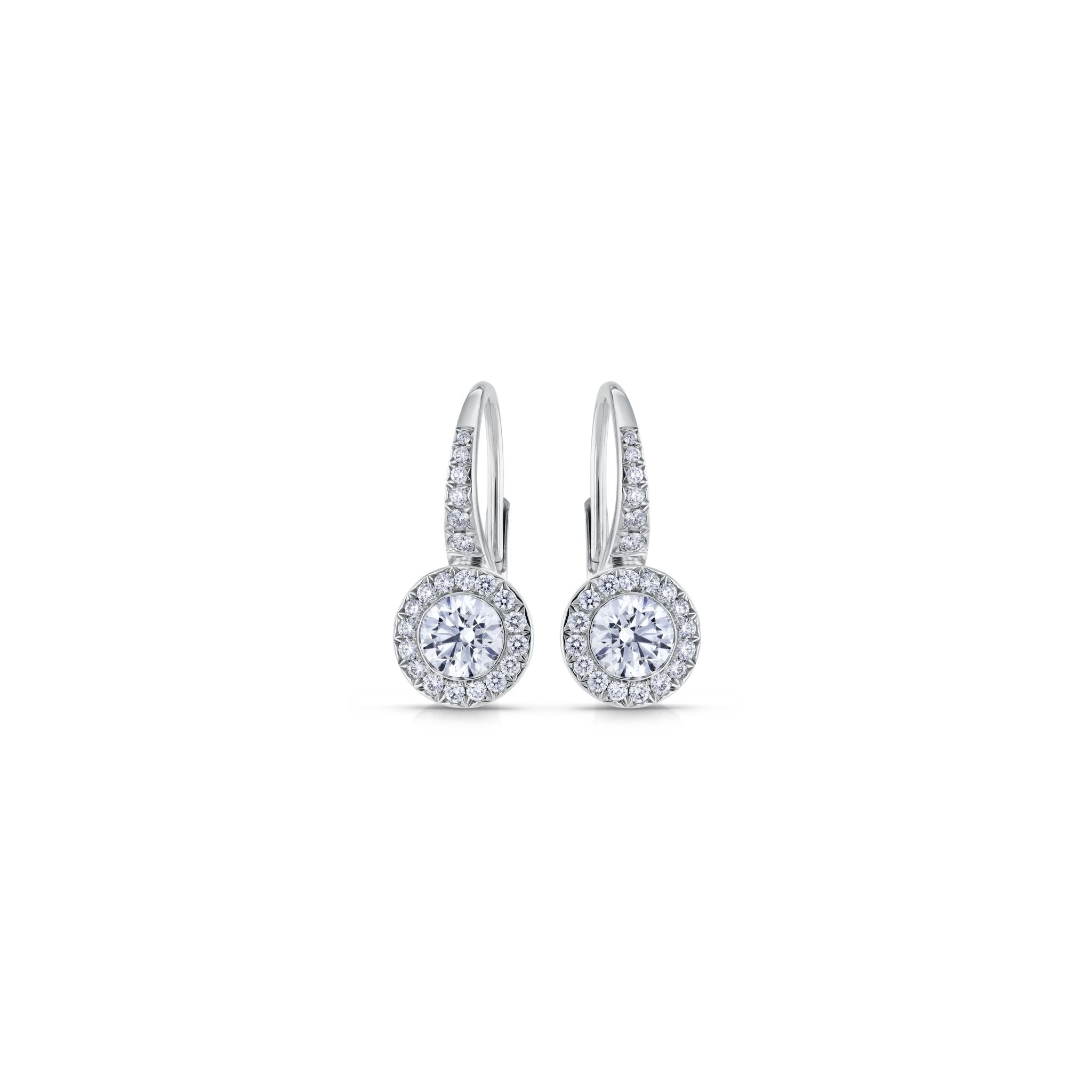 Earrings with diamonds