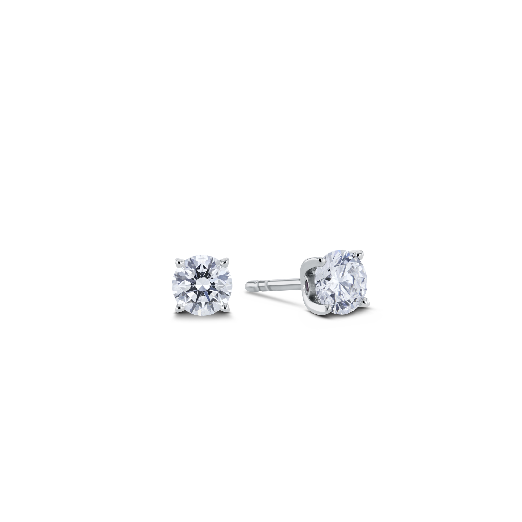 Solitaire earrings with diamonds