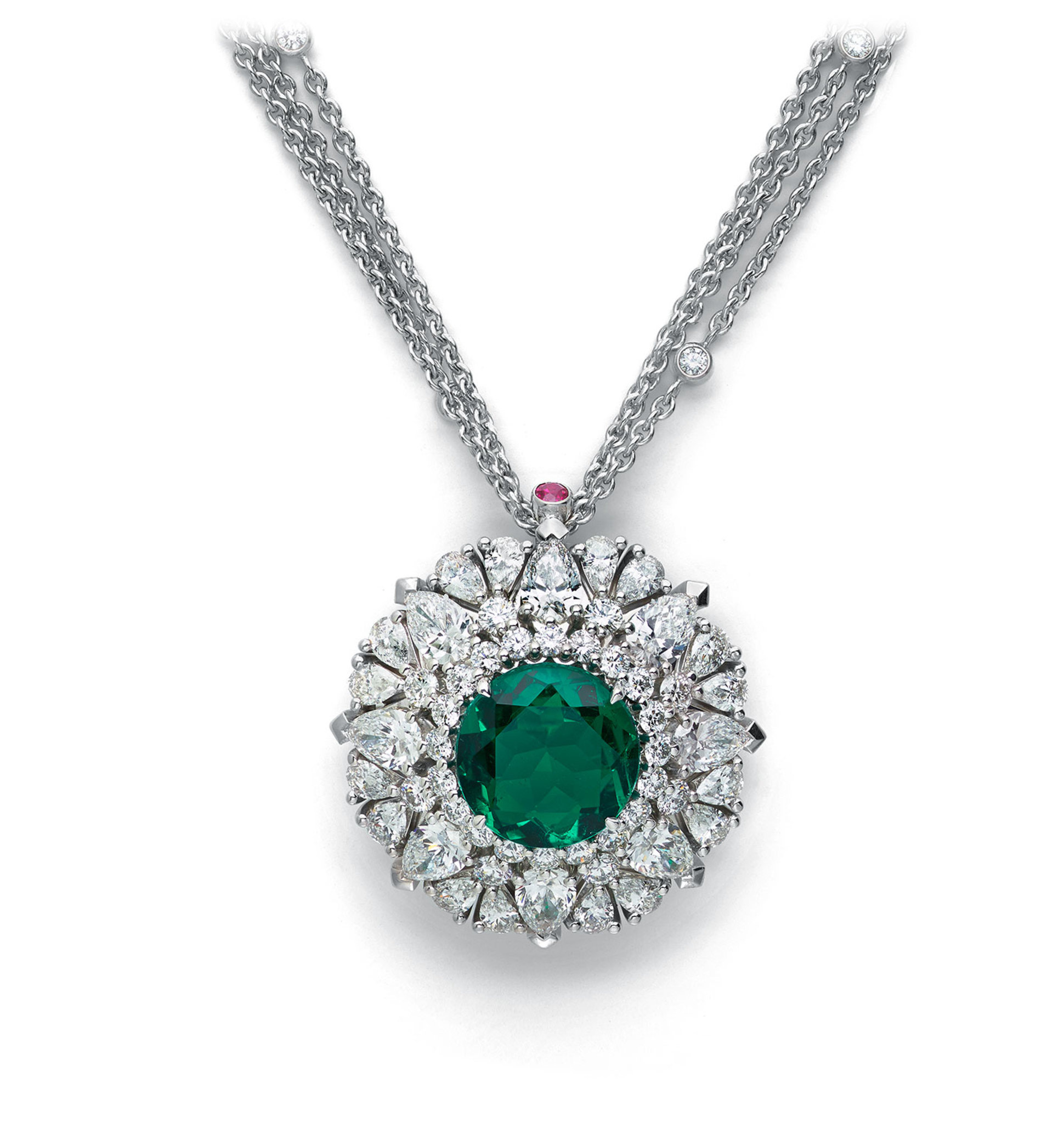 Necklace with emerald
