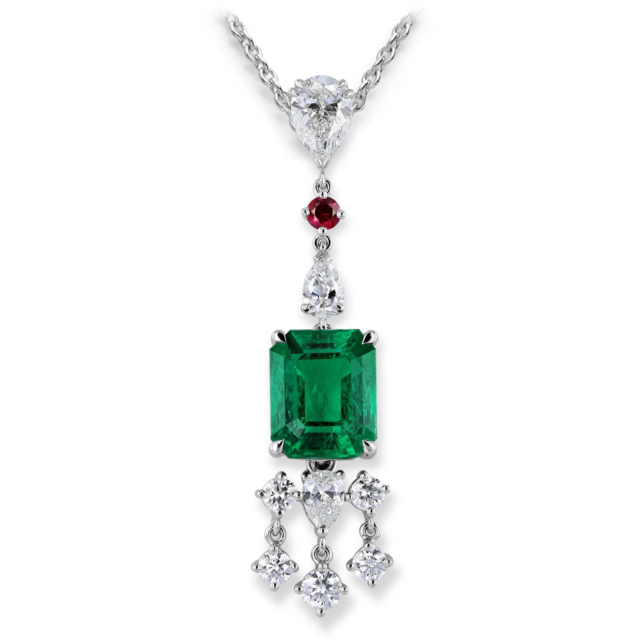 Collier mit Smaragd