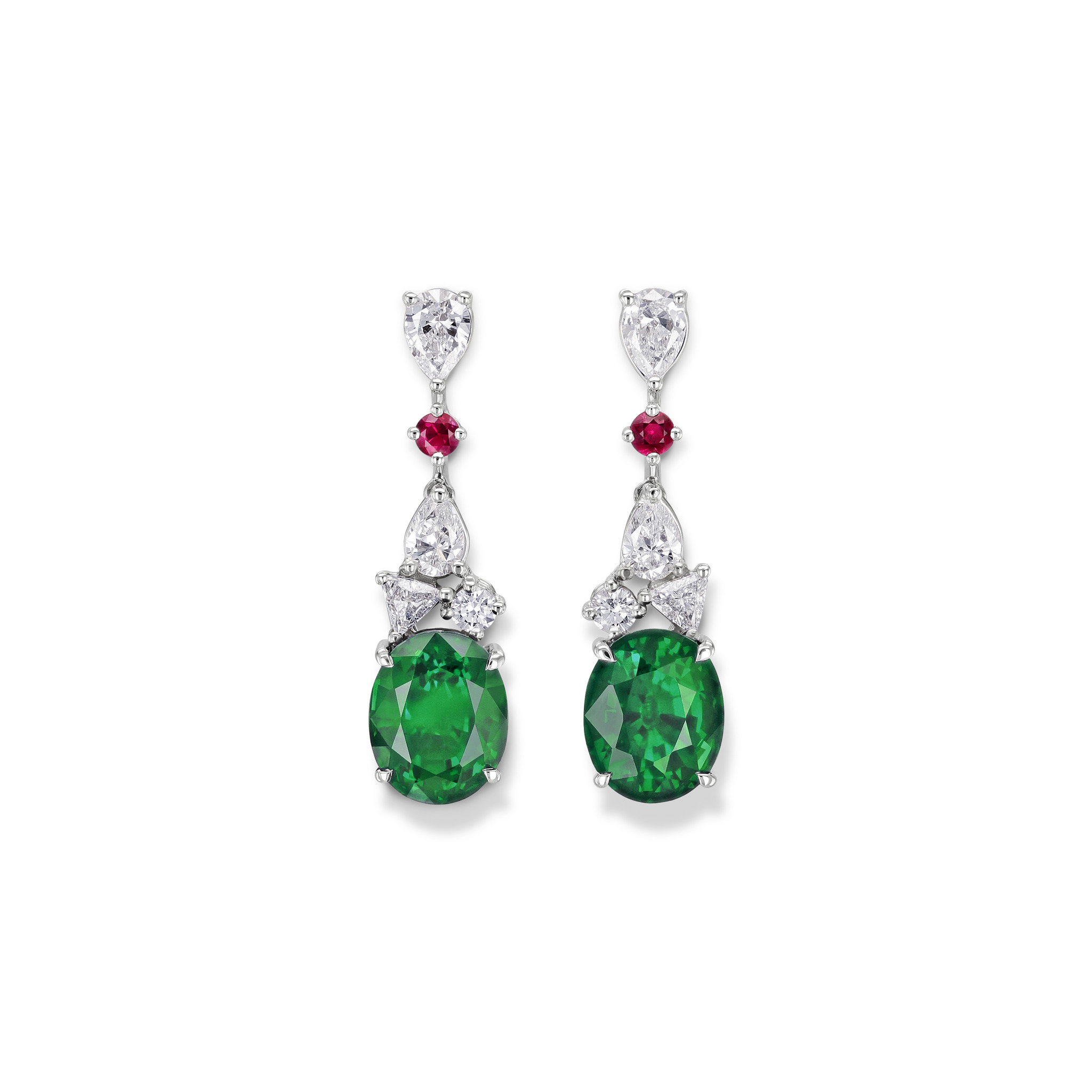 Earrings with emeralds
