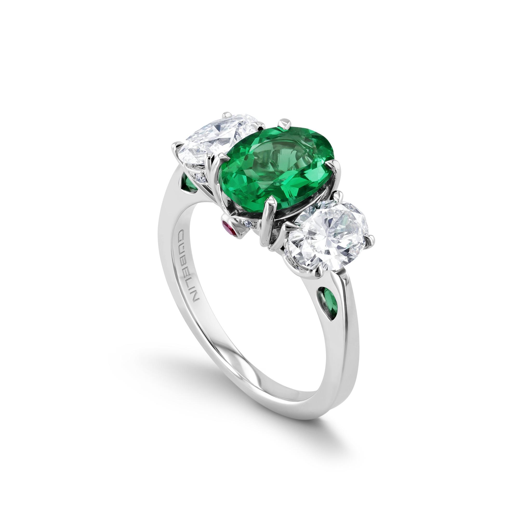 祖母绿戒指