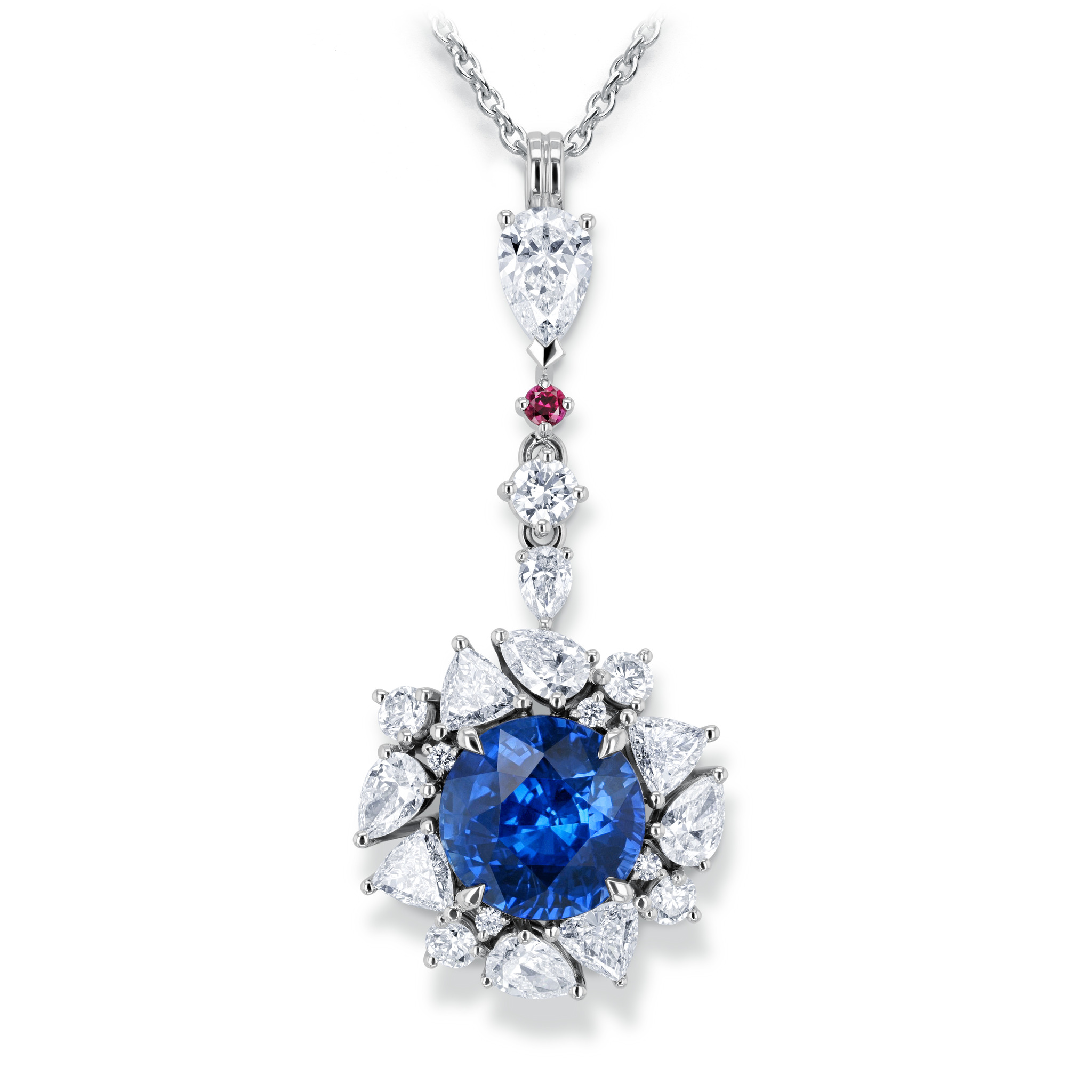 Necklace with sapphire