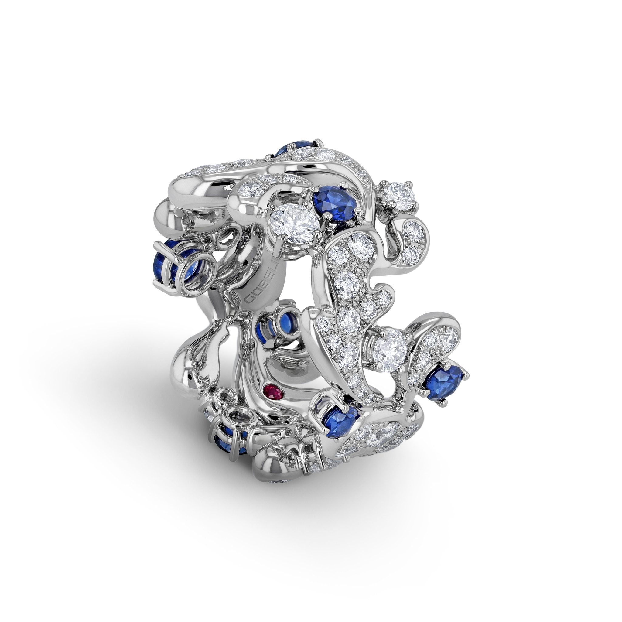 Ring with sapphires