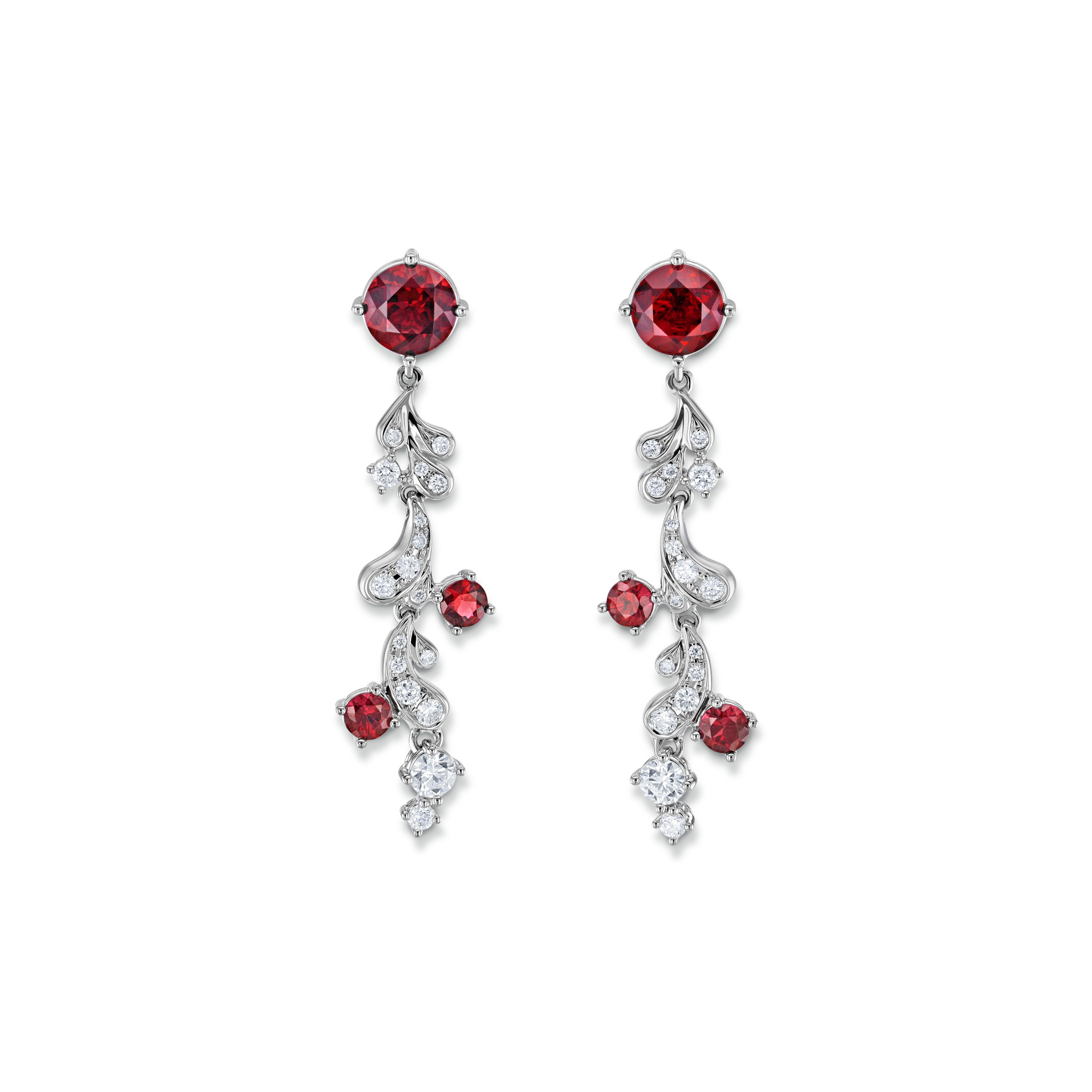 Earrings with spinels
